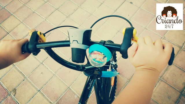 Criando247 bici adaptada hemiparesia.jpg