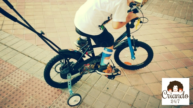 Criando247 bicicleta adaptada hemiparesia.jpg